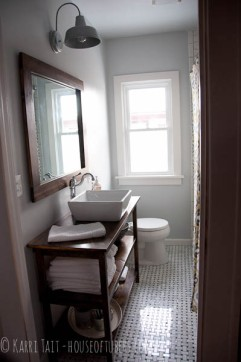 Courtesy of: http://houseoftubers.com/bathroom_remodel_diy_reveal/#.Vql8f1mQeKJ